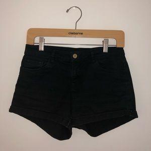 Divided black jean shorts